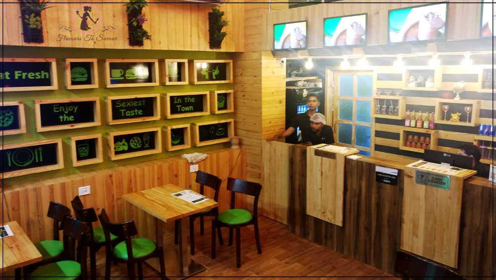 Veg-Bites-Cafe-Restaurant-Ambience-Review-Image